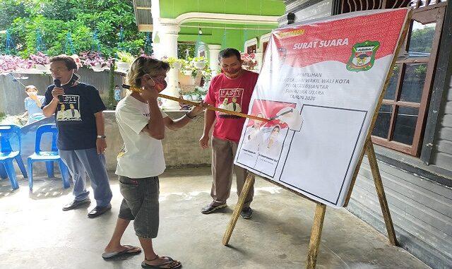 Simulasi pencoblosan PASTI di Kelurahan Tanjung Tongah, Kecamatan Siantar Martoba, Kota Pematangsiantar, Rabu (25/11/2020).