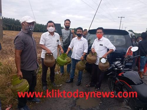 Polsekta Tanah Jawa berhasil mengungkap dan meringkus para tersangka pencurian, Selasa 17 November 2020
