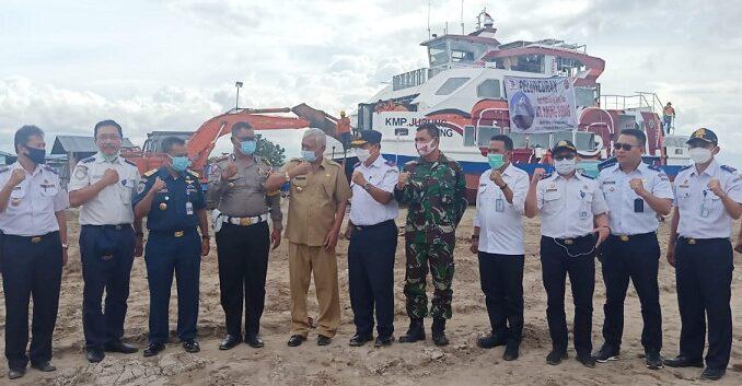 """kegiatan peluncuran Kapal """"WISATA BUS AIR DANAU TOBA"""" dan Kapal Penyebrangan dan Penumpang, Selasa (22/12/2020)"""