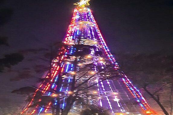 Pohon Natal di Jalan Gereja Kota Pematangsiantar