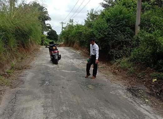 Bangunan Peningkatan Jalan atau Lapisan Penetrasi (Lapen) di Nagori Siatasan, Kecamatan Dolok Panribuan, Kabupaten Simalungun, Sumut