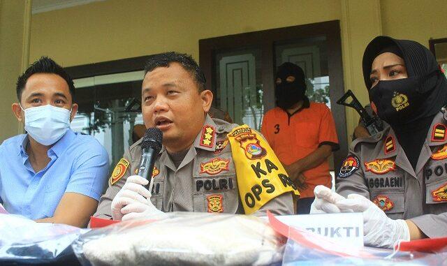 Kapolresta Mataram, Kombes Pol Heri Wahyudi saat press release, Kamis (21/01/2021).