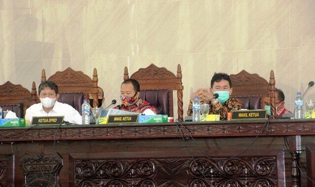 DPRD Kota Pematangsiantar menggelar rapat paripurna Pengusulan Pengesahan Pengangkatan Walikota dan Wakil Walikota Pematangsiantar, sekaligus Pengusulan Pemberhentian Walikota dan Wakil Walikota Pematangsiantar.