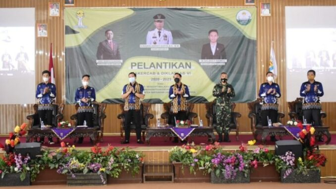 acara pelantikan pengurus BPC HIPMI Kabupaten setempat yang berlangsung di Gedung Serba Guna. Sabtu (30/1/21).