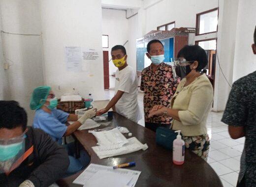 101 Pegawai dan Staf Pemkab Toba Di Rapid Tes Antibodi Guna Deteksi Dini Penyebaran Covid 19