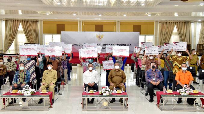 Gubernur Sumatera Utara (Sumut) Edy Rahmayadi menghadiri secara virtual Peluncuran Bantuan Tunai se-Indonesia Tahun 2021 oleh Presiden RI Joko Widodo (Jokowi), Senin (4/1).