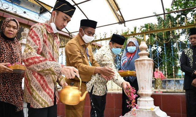 Bupati Dan Wabup Terpilih Antarkan Ziarah Sultan Deli XIV , Selasa (5/1/2020)