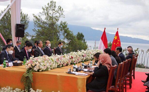 Pemerintah Republik Indonesia dan Republik Rakyat Tiongkok (RRT) mengadakan MOU (Memorandum Of Understanding) untuk menyepakati Kerjasama bilateral lintas sektoral di Niagara Hotel Parapa