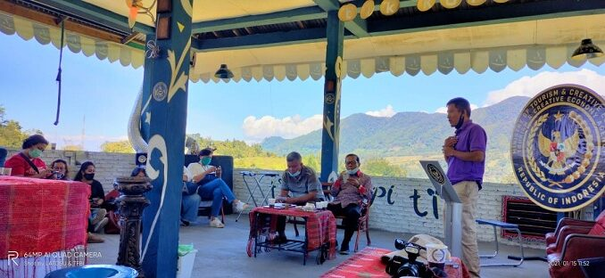 Tik Coffee Shop Huta Girsang 2 Kecamatan Girsang Sipanganbolon Kabupaten Simalungun, Jumat (15/01/2021).