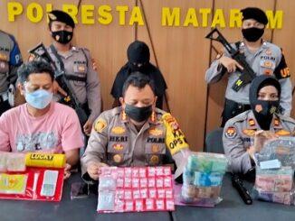 Tangkapan dan pengungkapan kasus besar kembali ditorehkan Sat Resnarkoba Polresta Mataram. Tim besutan AKP Elyas Ericson itu menangkap perempuan berinisial SM (37 tahun)