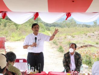 Menteri Koordinator Bidang Kemaritiman dan Investasi (Menko Marves) Luhut B. Pandjaitan melakukan tinjauan lapangan untuk melihat kondisi dan kesiapan lahan pada Kamis, (11-02-2021).