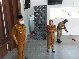 Bupati Batu Bara Ir. H Zahir,M.AP mengunjungi Rumah Batik yang berada di belakang Kantor Inspektorat Kabupaten Batu Bara.