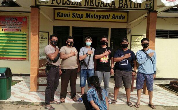 Pelaku dan barang bukti dibawa dan diamankan ke Polsek Negara Batin
