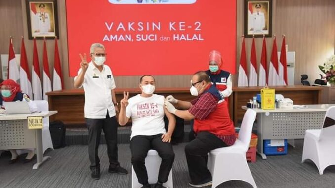 Bupati Batu Bara, Ir. H Zahir, M.Ap di Vaksinasi Covid-19 yang ke 2 kalinya