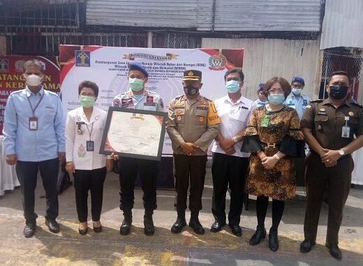 Ket foto ; kata Sambutan oleh Kepala Rutan Kelas II B Kabanjahe Sangapta Surbakti, yang di lanjutkan dengan Perwakilan Kakanwil Provinsi sumatera utara Hetni Humiras Purba. Saat di rutan.foto terkelinbukit.