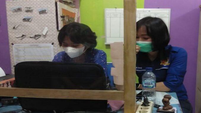 Ket foto: ketika unit PPA yang di konfirmasi di ruang komisi perlindungan anak dan memberikan keterangan kepada wartawan foto; terkelinbukit