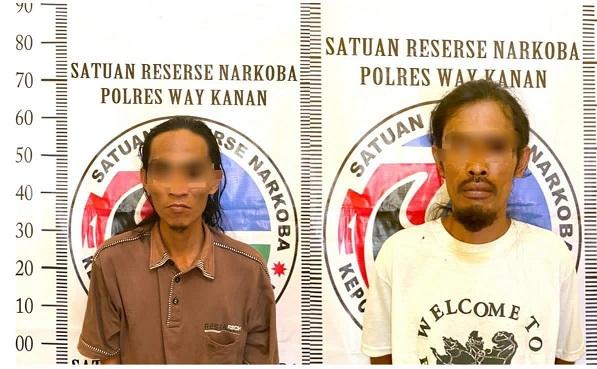 Satgas Operasi Antik Krakatau Polres Way Kanan bersama Polsek Negeri Besar berhasil membekuk dua orang pelaku yang diduga melakukan penyalahgunaan narkotika bukan tanaman jenis sabu. Sabtu (27/3/2021).
