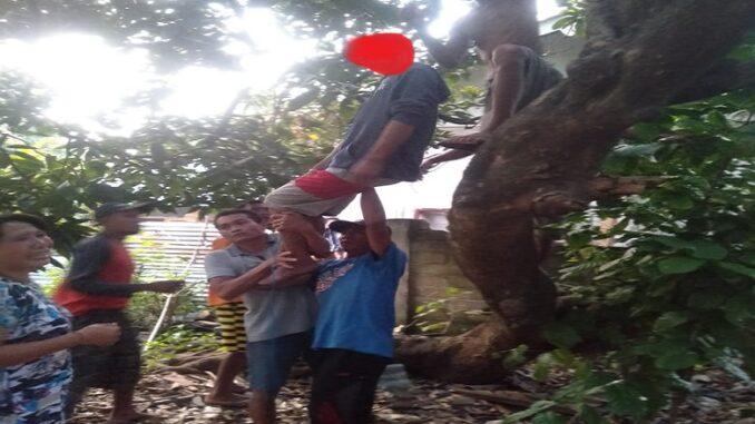 MI (16), ditemukan tergantung di pohon mangga di pekarangan, Selasa (23/3), sekitar pukul 17.30 Wita.