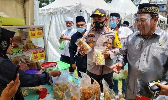 KAPOLRES Simalungun AKBP Agus Waluyo SIK pantau Bazaar, Rabu (04/03/2021)