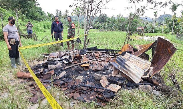 Rumah warga yang dirusak sejumlah pelajar