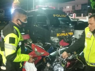 Polres Tapanuli Utara kembali menggelar razia khusus sepeda motor pengguna knalpot blong Sabtu malam (17/04/2021) hingga Minggu dini hari,