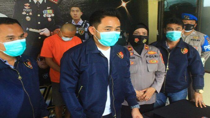 Tim Puma Polresta Mataram meringkus seorang pria yang diduga bandar judi jenis togel. Pelaku berinisial RF (28 tahun)