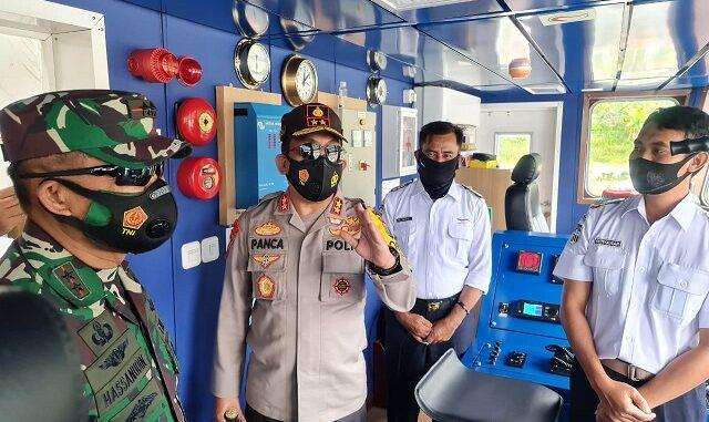 Kapoldasu IRJEN (Pol) RZ Panca Putra Simanjuntak bersama Pangdam I/BB, MAYJEND TNI Hasanuddin