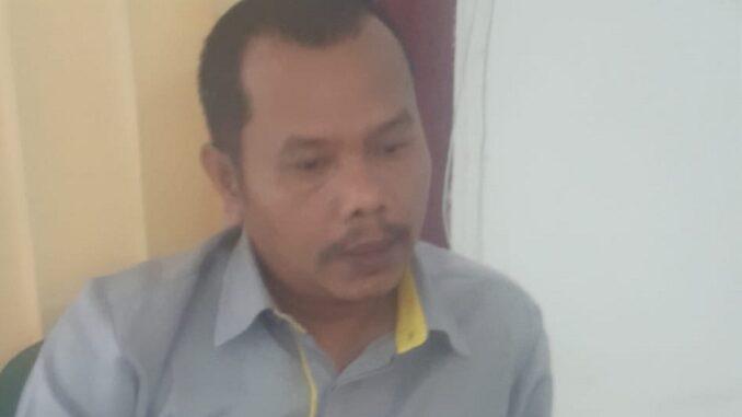 Ket foto ; Kepala Cabang Kantor BPJS Ketenaga Kerjaan Kabupaten Karo, Pakpak Barat dan Dairi , Redy Paska Sinulingga saat di konfirmasi di kantor BPJS kabanjahe foto terkelinbukit.