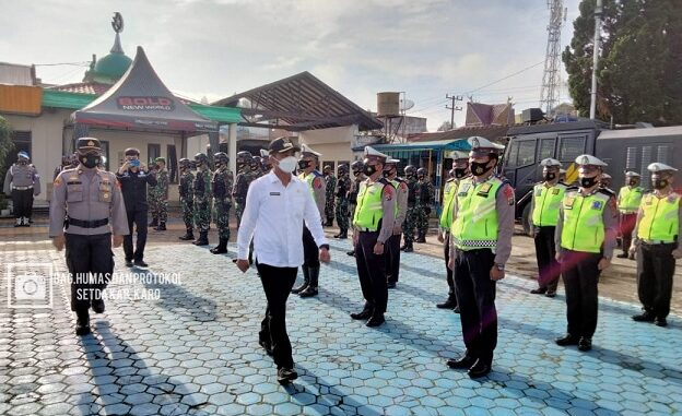 Wakil Bupati Karo Theopilus Ginting pimpin apel gelar pasukan Operasi Ketupat Toba 2021 dalam rangka pengamanan perayaan pengamanan perayaan Idul fitri 1442 H/2021 M