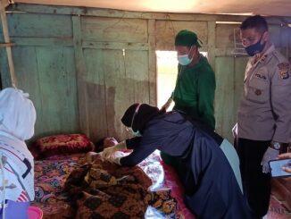 Seorang pria di Desa Wora, Kecamatan Wera, Kabupaten Bima, AN, ditemukan tewas tergantung dengan seutas tali nilon di rumahnya, Selasa (4/5/2021) pagi.