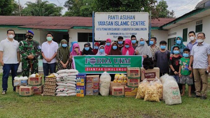 Sejumlah pengurus Forda UKM Siantar- Simalungun, Jumat (7/5) pagi mendatangi Panti Asuhan Islamic Center, di Jalan Asahan, Kecamatan Siantar, Kabupaten Simalungun.